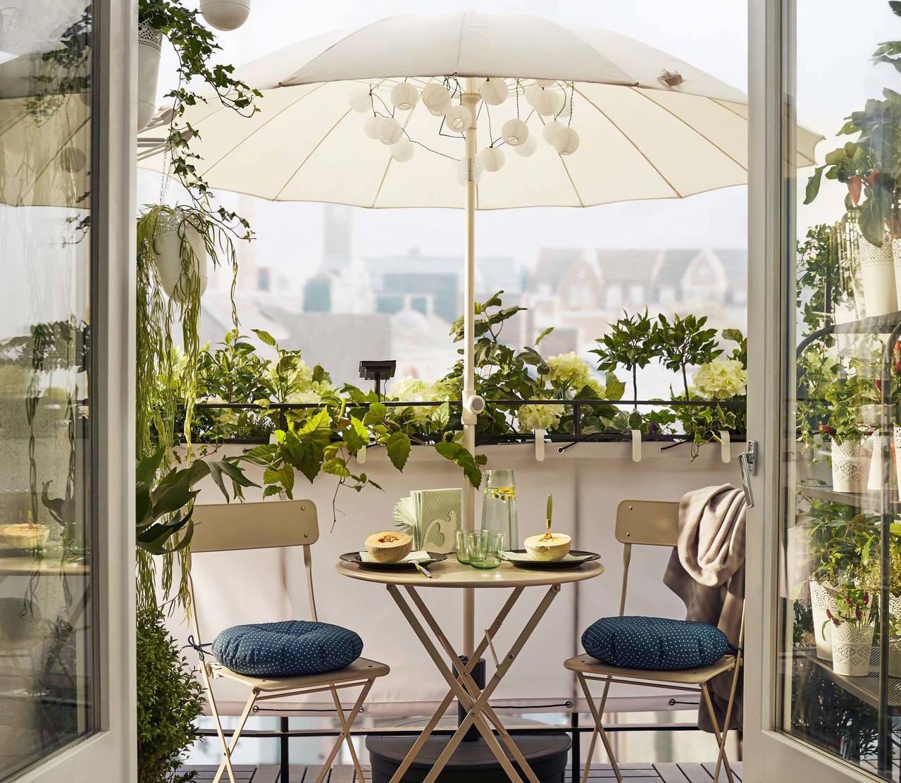 Come arredare il balcone piccolo 10 soluzioni ikea for Arredare il balcone