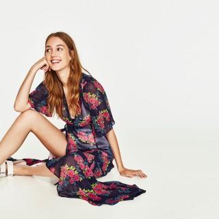 Abito vestaglia, must have dell'estate: i modelli più belli