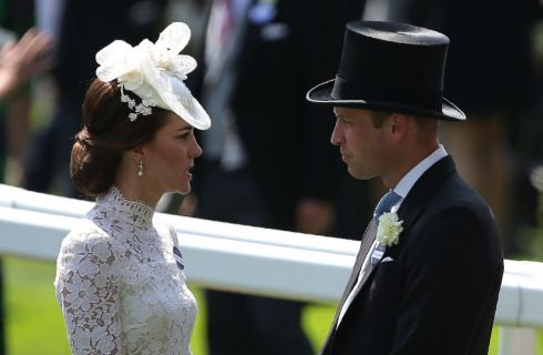 Kate Middleton e il Principe William sulla tomba di Lady Diana per ricordare il suo compleanno