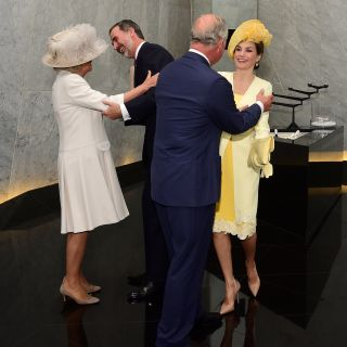 Gaffe per il Principe Carlo e Camilla con i reali spagnoli
