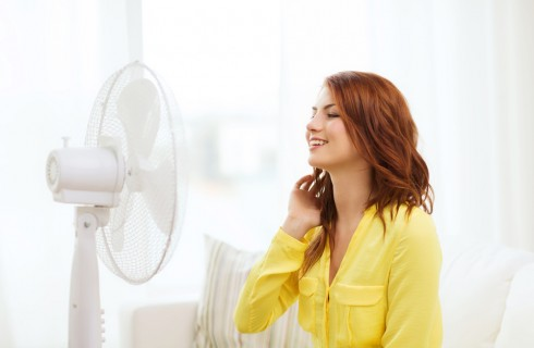 10 trucchi per sopravvivere al caldo in casa senza condizionatore