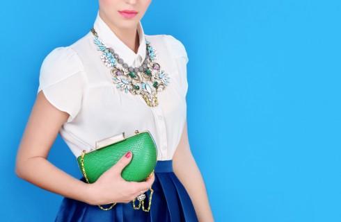 Come abbinare i gioielli ai vestiti