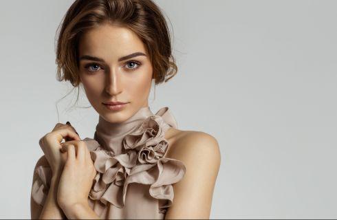 Abbronzatura: con quali colori vestirsi per farla risaltare