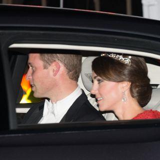 Kate Middleton dalla Regina con la tiara di Lady Diana