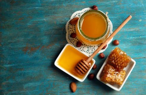 Miele: a cosa fa bene, proprietà e controindicazioni