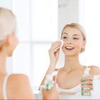 Tonico viso: come si usa e i prodotti con il miglior INCI