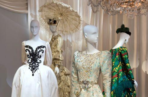 Apre a Parigi e a Marrakech il Museo Yves Saint Laurent