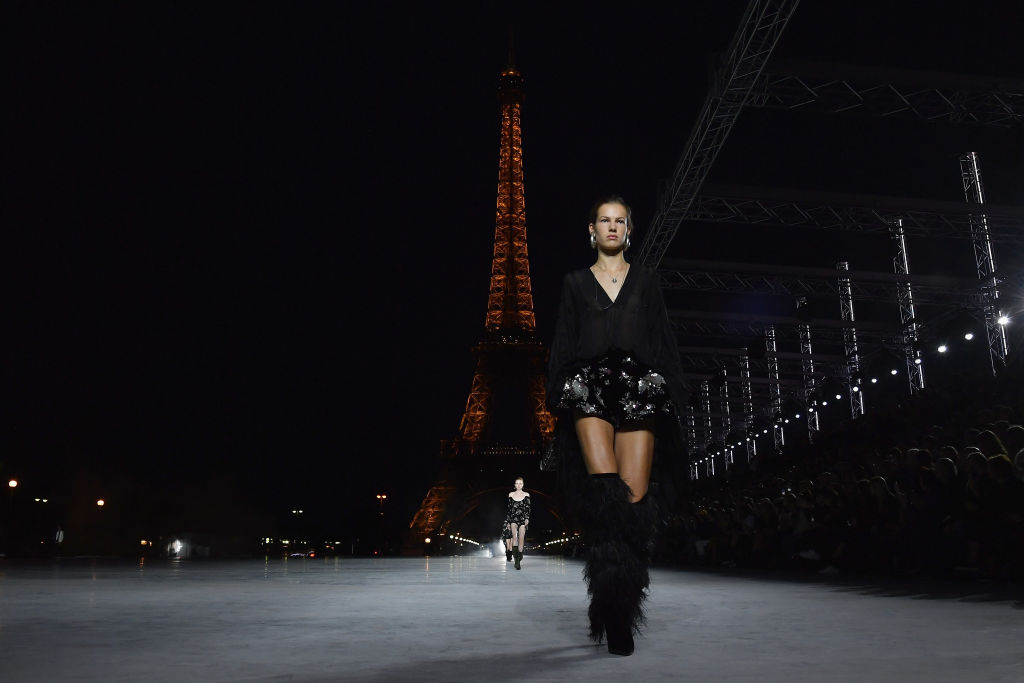Rock e romantica, la donna di Vaccarello per Saint Laurent