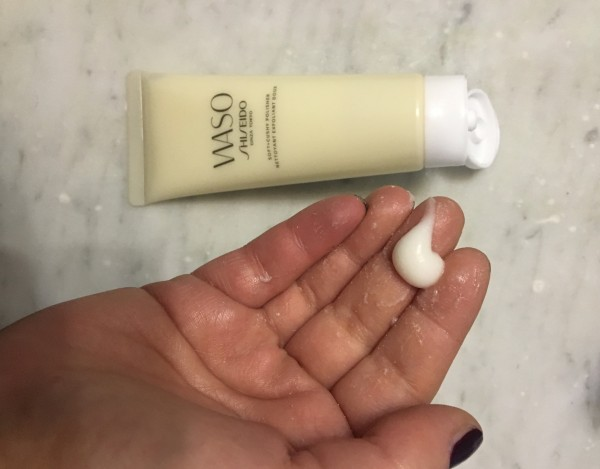 Detergente esfoliante delicato di  Waso Shiseido