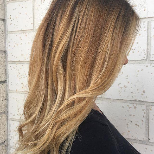 Tendenze colori capelli autunno inverno 2017-2018, il fallayage, foto