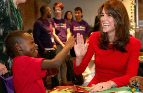 Kate Middleton per la prima volta in video dopo l'annuncio del terzo figlio