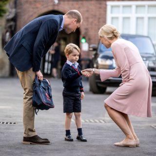 Il Principe George al suo primo giorno di scuola (Video)