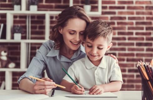 Come aiutare i bambini a fare i compiti