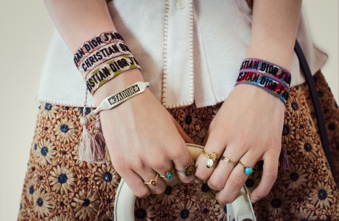 Dior Cruise 2018: i braccialetti J'Adior