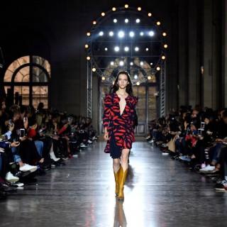 Givenchy: il debutto di Clare Waight Keller