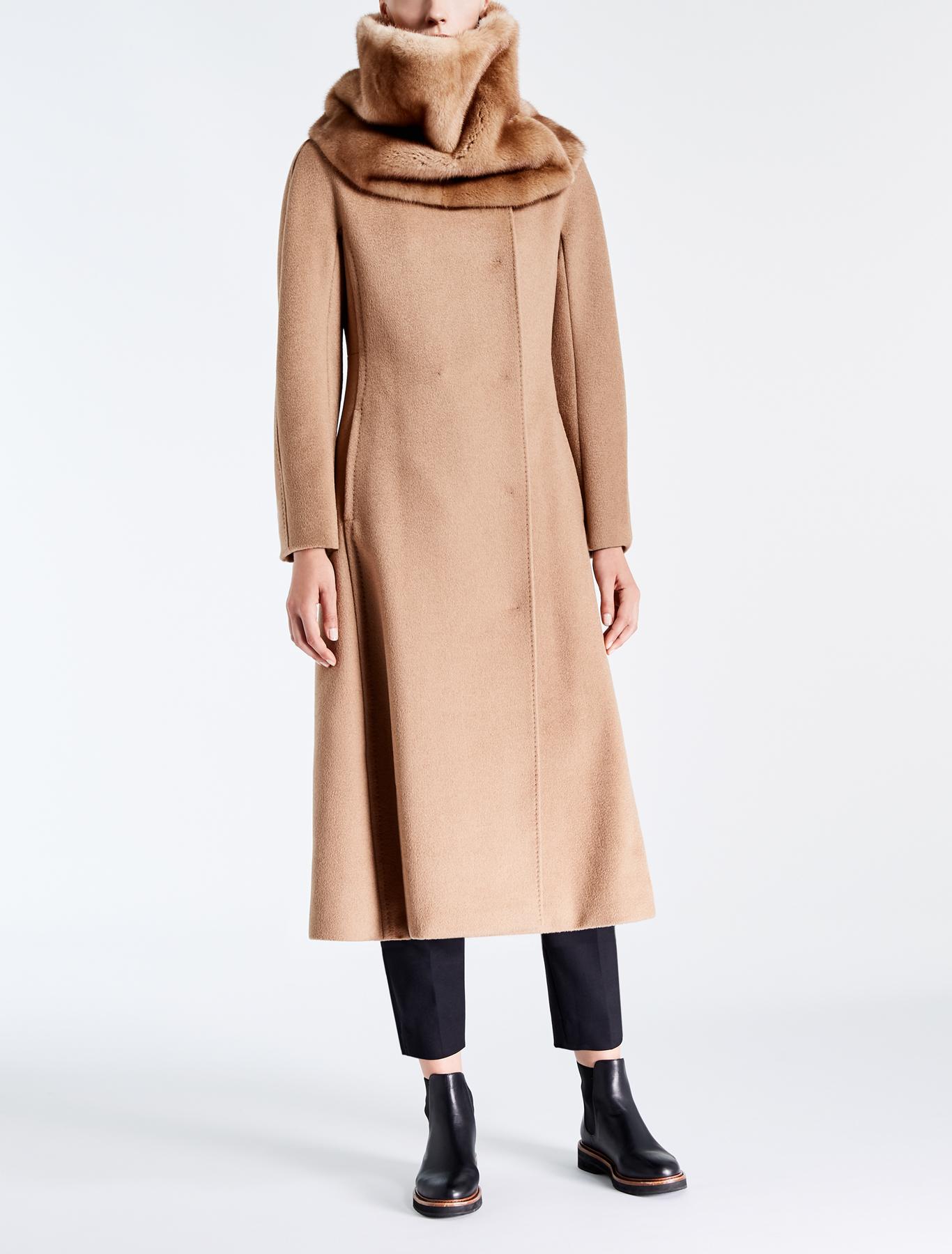 Cappotti Max Mara inverno 2018, foto e prezzi