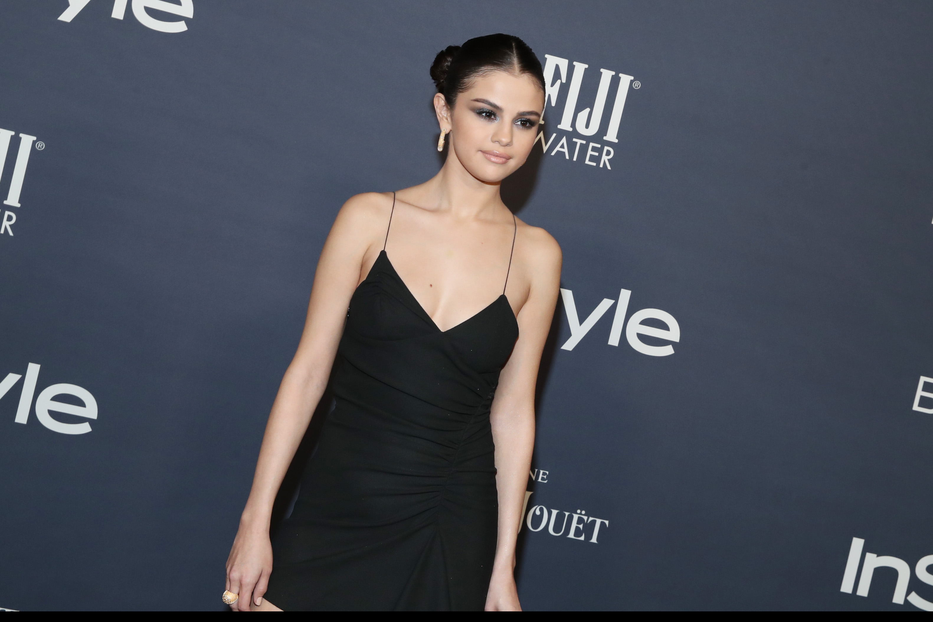 Selena Gomez, look glam agli InStyle Awards