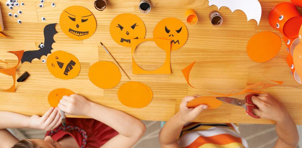 Popolare 5 lavoretti di Halloween per bambini con carta | DireDonna CG89