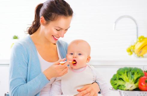 Svezzamento: come si prepara la prima pappa