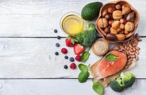 10 alimenti che aiutano la dieta per abbassare il colesterolo