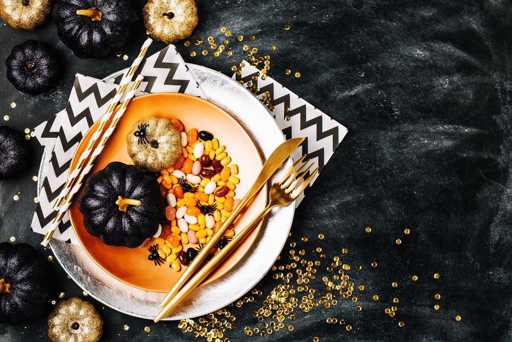 Come decorare la tavola di halloween diredonna - Decorare la casa per halloween ...
