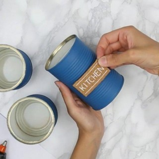 Tre idee chic per decorare casa con i barattoli di latta