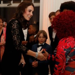 Pizzo e trasparenze: il look di Kate Middleton
