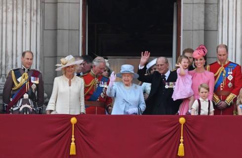 Kate Middleton vs Camilla Parker Bowles: scontro per la successione della Regina Elisabetta