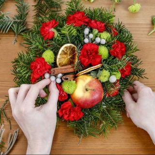 5 composizioni floreali natalizie per stupire gli ospiti