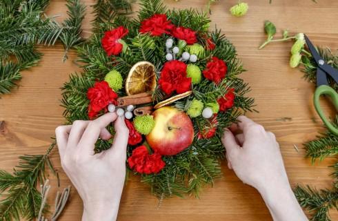 Composizioni floreali natalizie: 5 idee