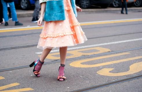 Sandali con calzini: come abbinarli