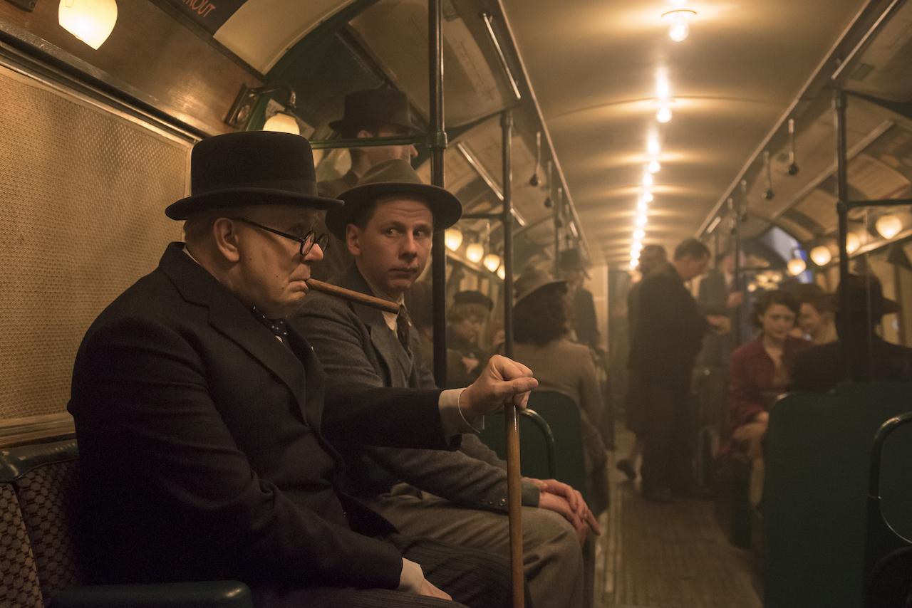 L'ora più buia, il film con Gary Oldman, foto