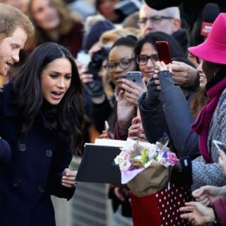 Bagno di folla per Meghan e il principe Harry