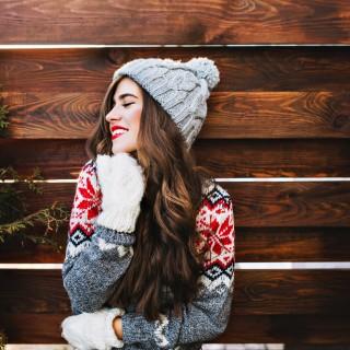 I maglioni più divertenti da indossare sotto l'albero
