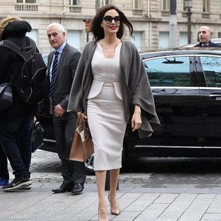 Copia il look: Angelina Jolie a Parigi
