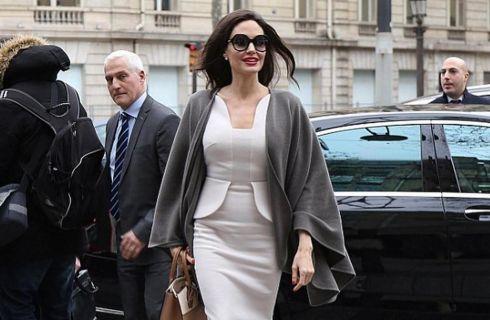 Copia il look: Angelina Jolie a Parigi
