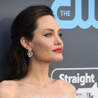 Il beauty look di Angelina Jolie