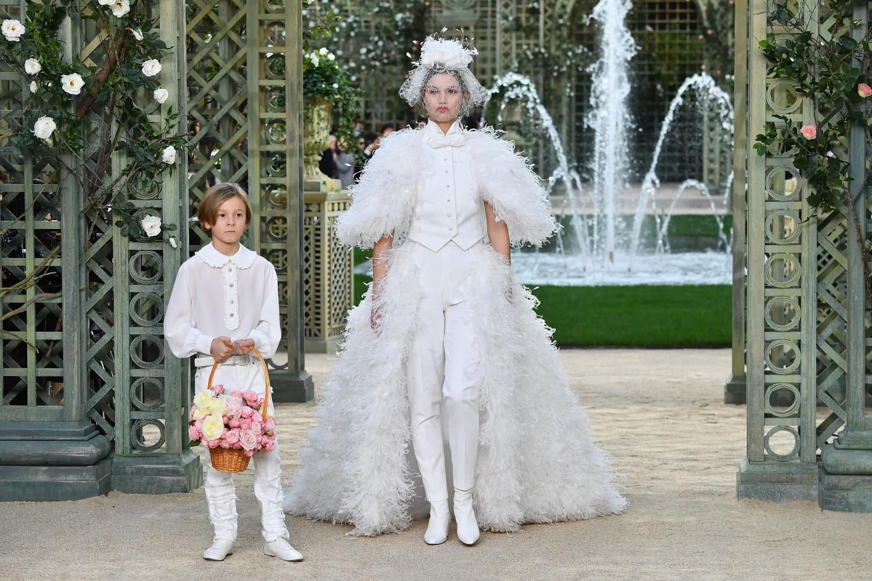 Chanel haute couture primavera estate 2018 diredonna for Robes de mariage haut de gamme