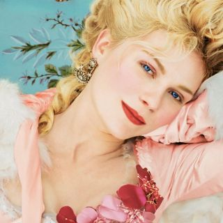 Marie Antoinette, in mostra le creazioni da Oscar