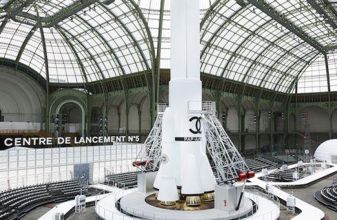 Chanel e il Grand Palais a Parigi: un amore di vecchia data