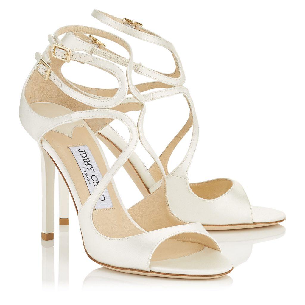 Sandalo Lang in satin color avorio con dettaglio a intreccio e cinturini  alla caviglia (650 euro). 2d28c72d416