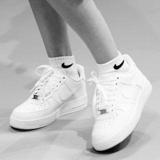 Sneakers bianche: 10 modelli per la primavera