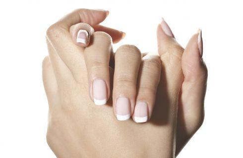 Unghie gel: i consigli sulla french manicure per la Primavera-Estate 2018