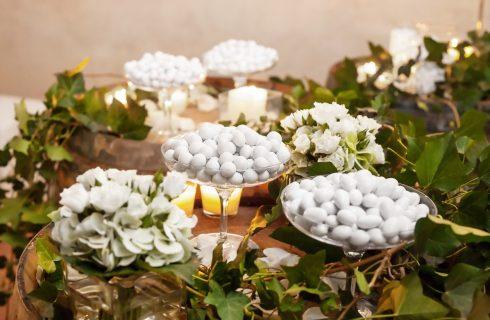 Ricevimento di nozze: come allestire il tavolo dei confetti