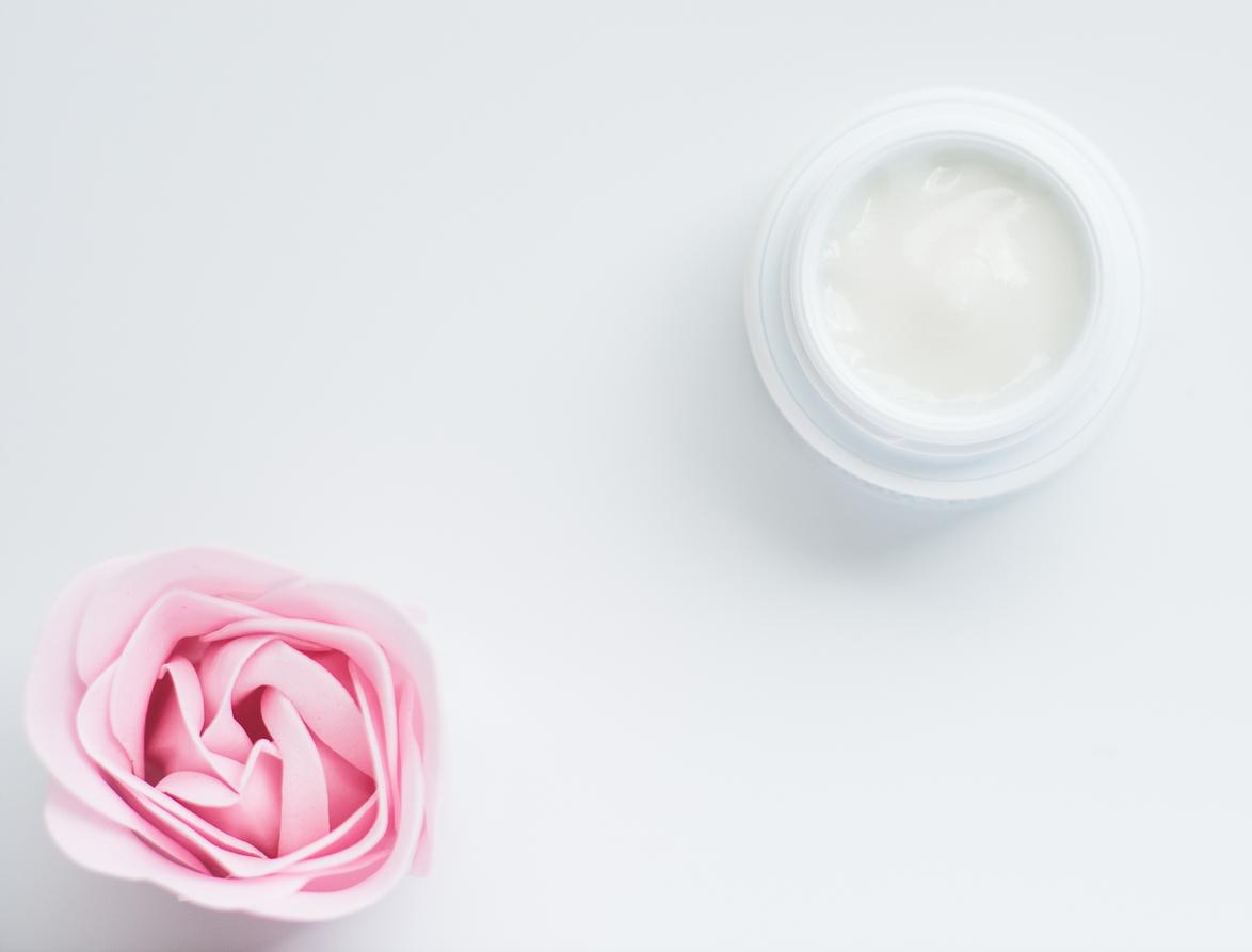 cosmetici bio, crema viso, pulizia del viso