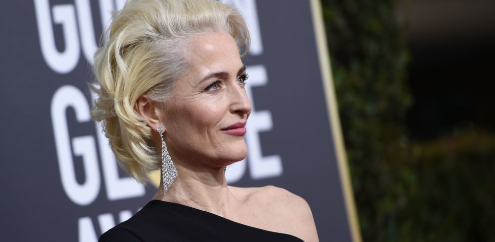 Gillian Anderson la trasformista: da X-Files a Sex Education fino a The Crown 4
