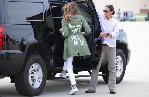 Melania Trump: la sua giacca lancia un messaggio misterioso?