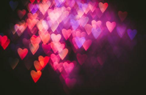 Frasi sulla felicità: per augurare il meglio a partner, parenti ed amici