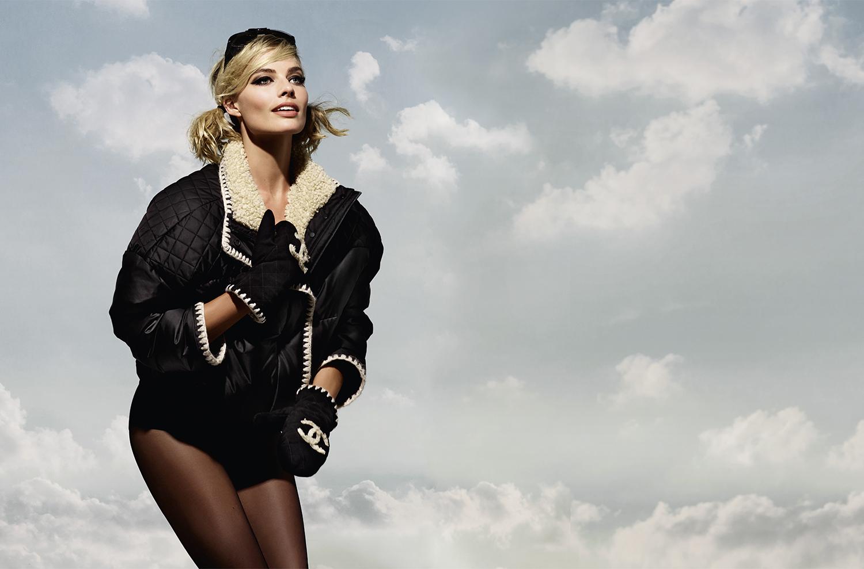 Margot Robbie volto della collezione Coco Neige di Chanel, le foto