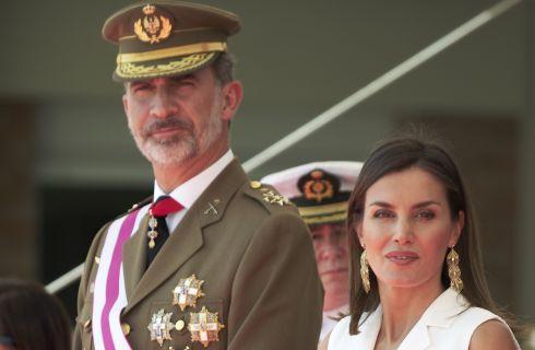 Come copiare il look di Letizia Ortiz all'Accademia Centrale della Difesa